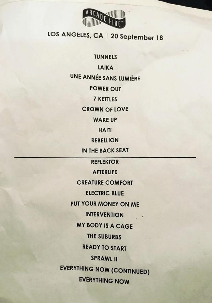 """Gli Arcade Fire hanno suonato per intero l'album d'esordio """"Funeral"""" durante la tappa a Los Angeles"""