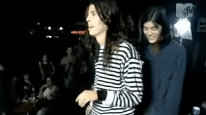 I Nirvana e gli Smashing Pumpkins hanno giocato insieme a Twister nel 1991