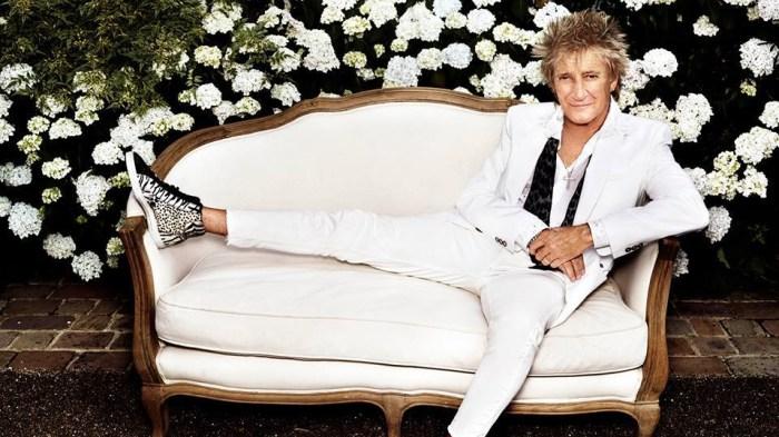 """Rod Stewart è tornato con il nuovo e trentesimo album dal titolo """"Blood Red Roses"""""""