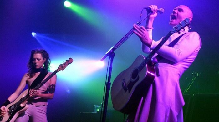 The Smashing Pumpkins, Billy Corgan e Melissa Auf Der Maur in concerto nel 2000