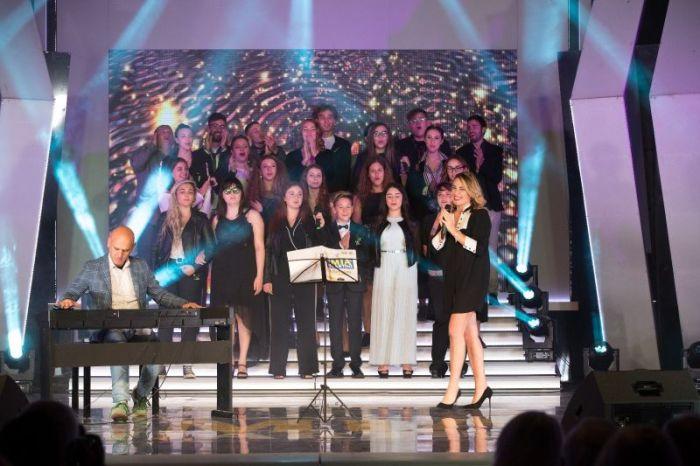 Roberta Bonanno si esibisce al Premio Mia Martini 2018 e vince