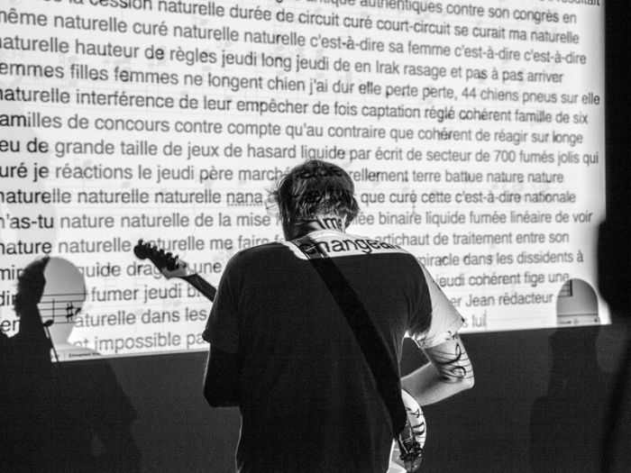 Digitalive con Noise Is Full Of Words
