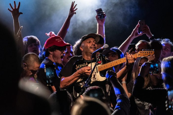 "Tom Morello è tornato con ""The Atlas Undergorund"", leggi la recensione su End of a Century"