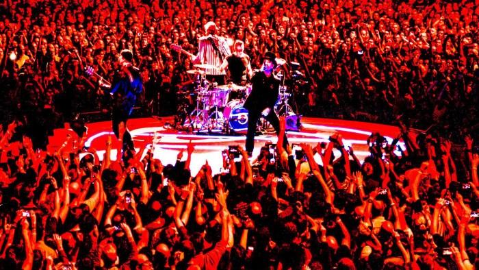 """Gli U2 hanno suonato la canzone """"Dirty Day"""" di Zooropa a Dublino dopo 25 anni"""