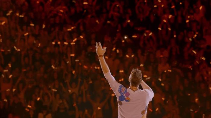 """I Coldplay hanno pubblicato il video live di """"Fix You"""" dallo Stadio Sao Paulo del Brasile"""