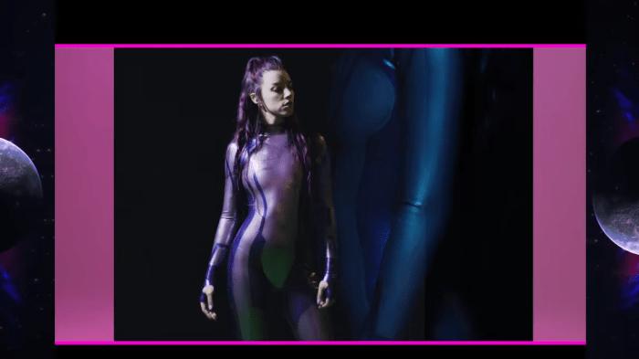 """Grimes è tornata con il nuovo video """"We Appreciate Power"""" che anticipa il quinto disco"""