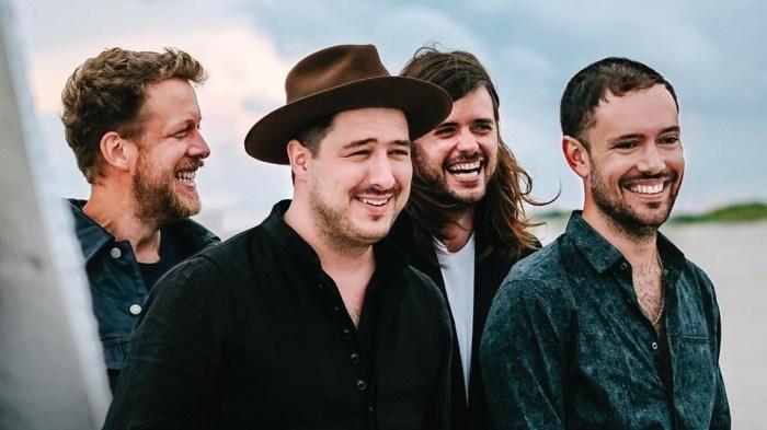 """I Mumford And Sons sono tornati con il nuovo album """"Delta"""" e si esibiranno in aprile a Milano"""