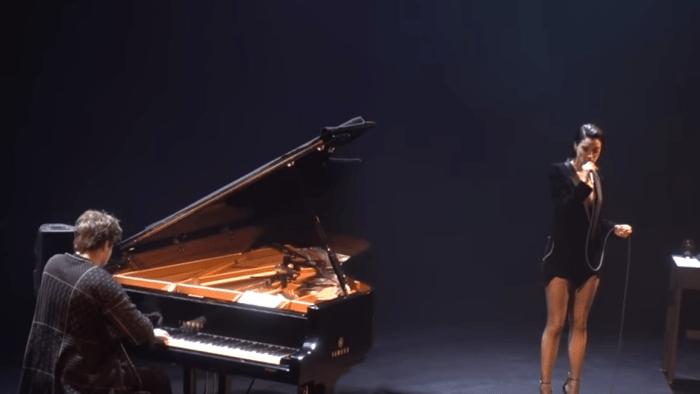 """St. Vincent e Doveman interpretano la cover di """"Perfect Day"""" di Lou Reed"""