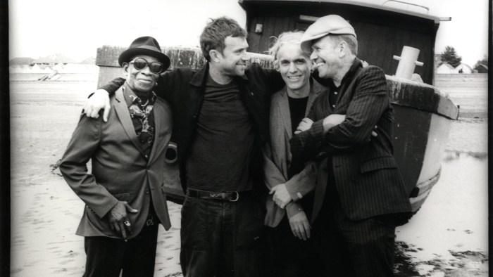 """The Good The Bad And The Queen sono tornati con il nuovo album """"Merrie Land"""" a distanza di 11 anni dal precedente lavoro"""
