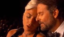"""Lady gaga e Bradley Cooper suonano agli Oscar 2019 """"Shallow"""" che ha vinto il premio come Miglior Canzone"""