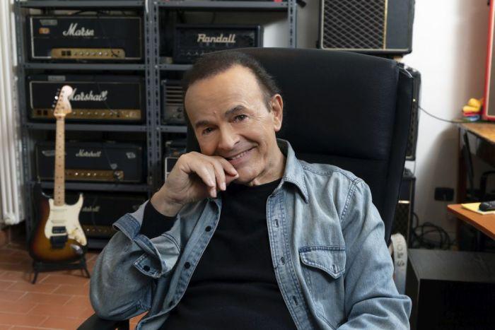 """Venerdì 15 marzo esce """"Perle"""" il doppio album dal vivo con un brano firmato da Giorgio Faletti"""