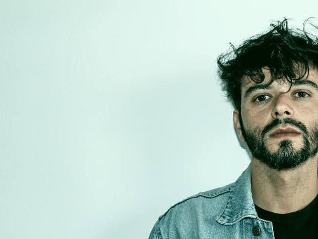 """Esposito torna con il nuovo singolo """"Solo Quando Sei Ubriaca"""" che anticipa il nuovo album """"Biciclette Rubate"""""""