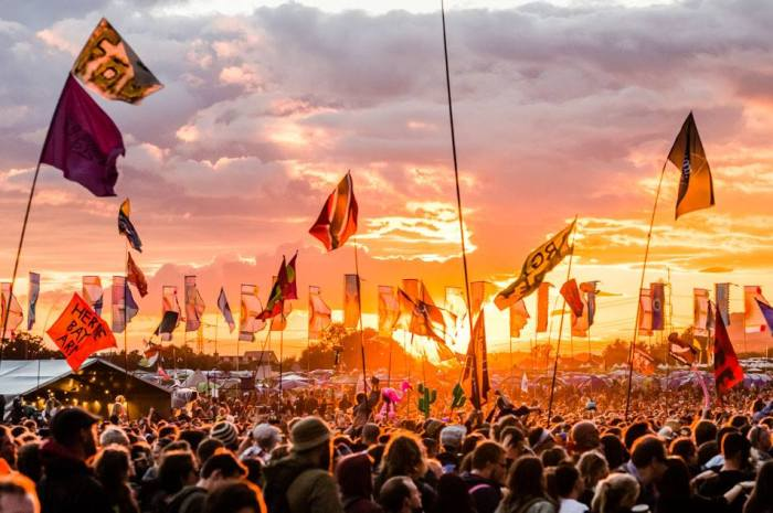 Glastonbury 2019, i primi due headliner sul Pyramid Stage sono The Killers e The Cure