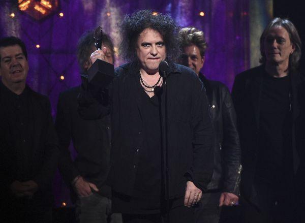 I Cure sono stati introdotti nella Rock & Roll Hall of Fame da Trent Reznor dei Nine Inch Nails e dopo hanno suonato una manciata di canzoni