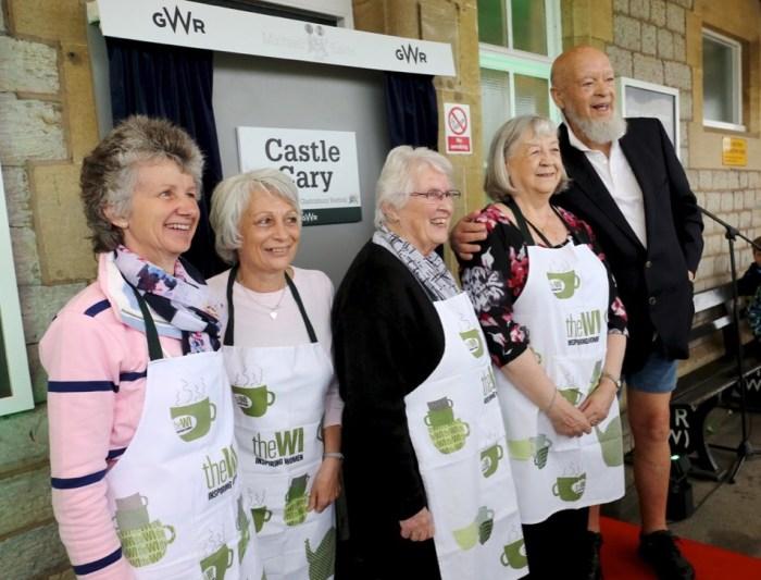 Michael Eavis, la stazione di Castle Cary dedicata a Glastonbury