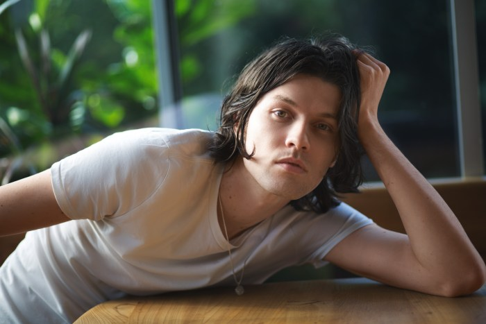 """James Bay torna con il nuovo EP """"Oh My Messy Mind"""""""