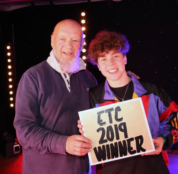 Michael Eavis e Marie White alla Emerging Talent Competition 2019 Glastonbury