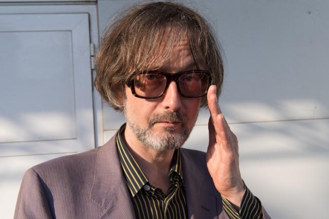 """Jarvis Cocker torna con il nuovo singolo solista """"Must I Evolve?"""""""