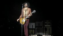 Lenny Kravitz si è esibito al Mediolanum Forum sabato 11 maggio: scaletta, foto e video della serata!