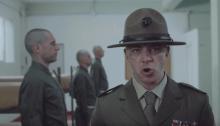 """Salmo è il Sergente maggiore Hartman nel video di """"AK77"""" ispirato a Full Metal Jacket"""