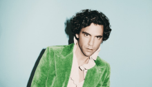 "Mika annuncia il nuovo album ""My Name Is Michael Holbrook"": ecco il singolo ""Ice Cream"" e le date del ""Revelation Tour"""