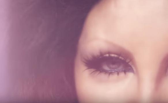 """""""Pianeti"""" è il nuovo singolo e video di Patty Pravo estratto dal nuovo album """"Red"""""""
