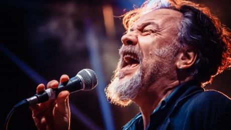 """Raffaello Simeoni vince il miglior album """"Orfeo Incantastorie"""" al Premio Nazionale Città di Loeano"""