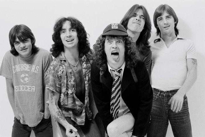 """""""Dog Eat Dog"""" è il nuovo bootleg degli AC/DC con Bon Scott alla voce"""
