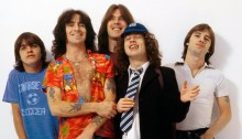 "Gli AC/DC rendono disponibili due video dal vivo di ""The Jack"" e ""Highway To Hell"" risalenti al 1979"