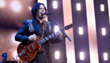 "I Raconteurs hanno suonato con Josh Homme il classico ""Blue Veins"" a Los Angeles"