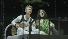 """Billie Eilish pubblica l'emozionante video dal vivo di """"I Love You"""" dal debut album"""