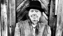 """Neil Young & Crazy Horse arrivano con il nuovo singolo """"Rainbows Of Colors"""" estratto da """"Colorado"""" in uscita il 25 ottobre"""