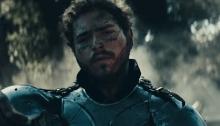 """Post Malone torna come cavaliere maledetto nel nuovo video """"Circles"""""""