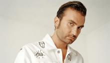 """Davide Petrella torna come Tropico, il nuovo singolo è """"Non esiste amore a Napoli"""""""