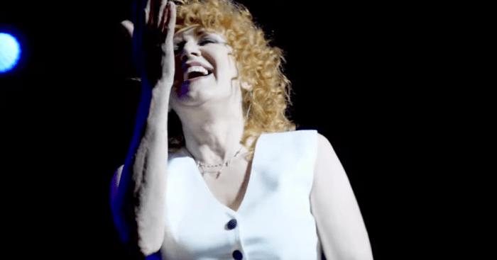 """""""Imparare ad essere una donna"""" è il nuovo singolo e video di Fiorella Mannoia"""