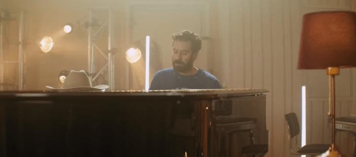 """Tommaso Paradiso video """"Non Avere Paura"""" con ospiti Francesca Michielin, Federico Zampaglione, Elisa, Jovanotti e altri"""