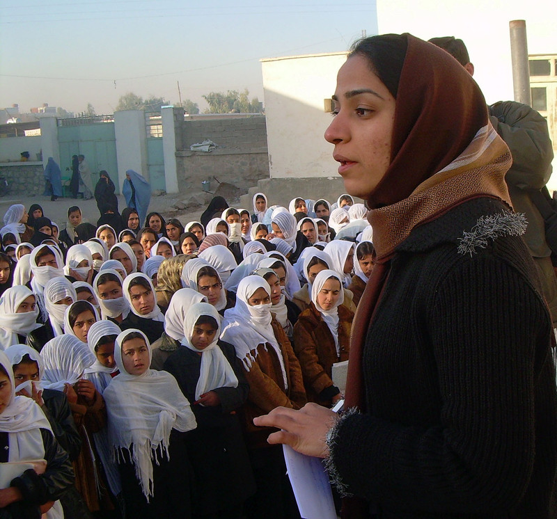 Malalai_Joya_visits_a_girls_school_in_Farah_province_in_Afghanistan