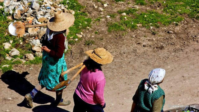 Most of the population lives from subsistence agriculture. The small income that visitors provide is a welcome bonus. The are is designated for eco-tourism.