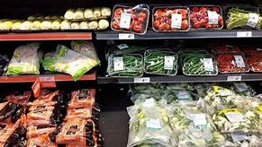 Canada's major grocery stores slow to tackle the mounting problem of plastic waste