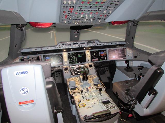 MiamiATC_A350XWB Simulator 1