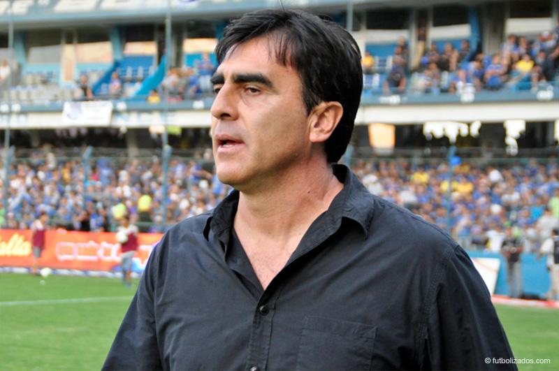 Gustavo Quinteros ha dejado de ser el entrenador de Ecuador