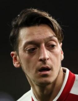 10. Mesut Özil