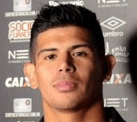 22. Esteban Pavez