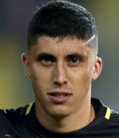 16. Rubén Farfán