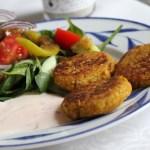 Kikärtsbiffar med sallad