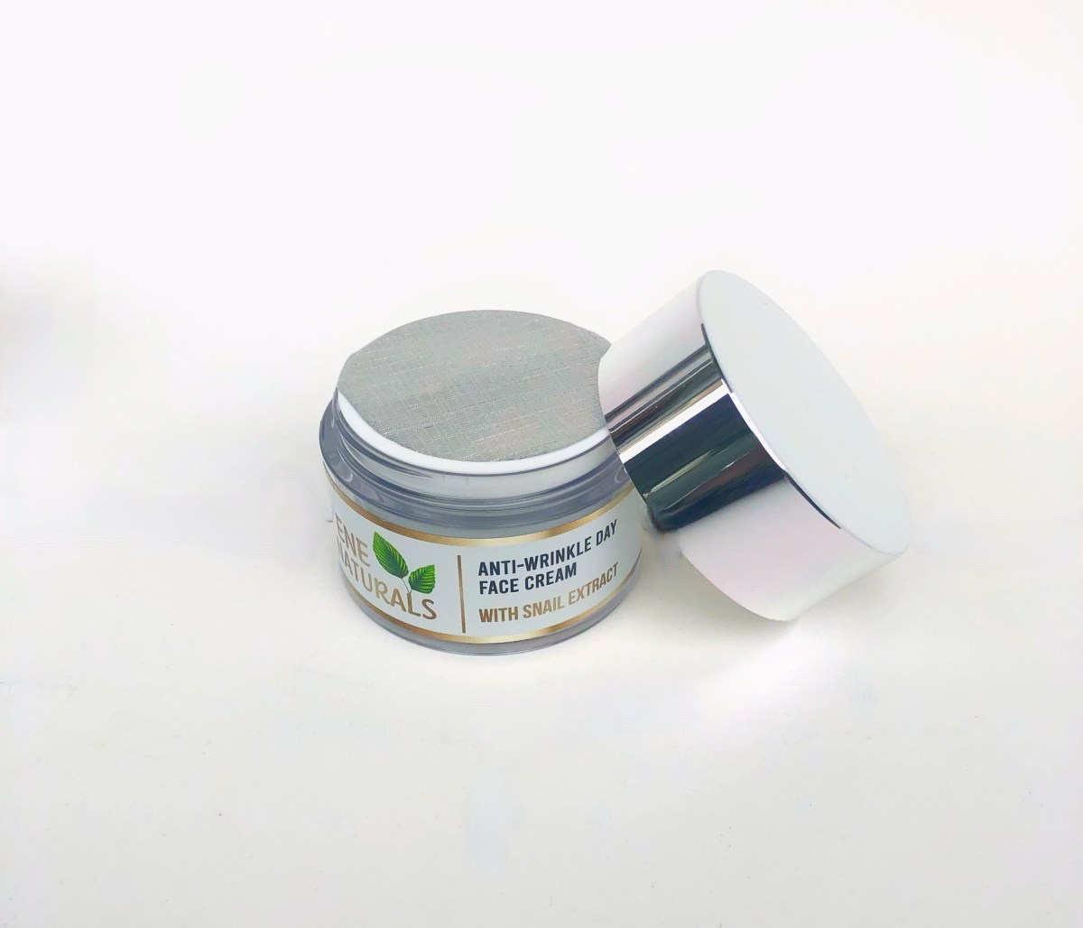 anti-wrinkle face cream with snail extract