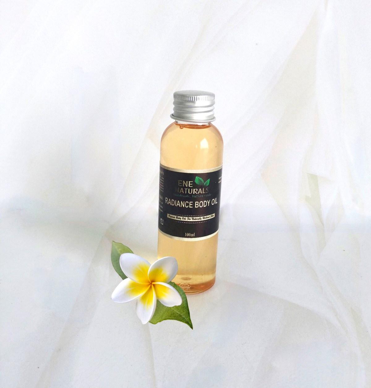 Brightening body oil