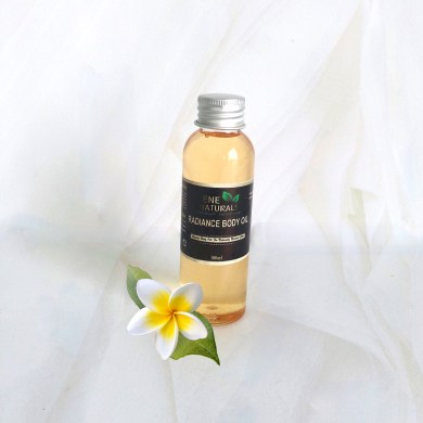 Brightening body oil