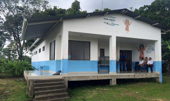 Centro Médico Divino Niño de San Juan de la Costa; Tumaco, Nariño; Foto: Carlos Santiago Cavanzo
