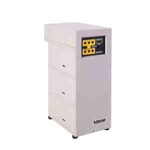 Regulador marca Vogar Trifasico de 6 Kva LAN-36. Proporcionan una protección eléctrica pueden ser de uso Industrial, Empresarial y/o Comercial.
